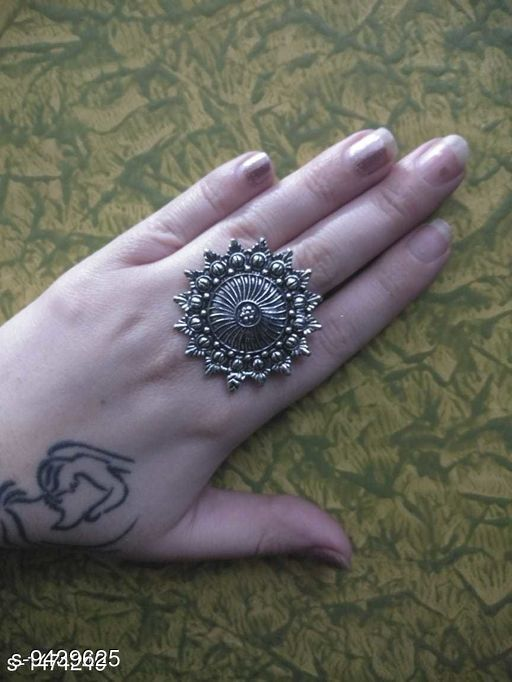 Oxidised Silver Attractive Brass Women's Finger Ring