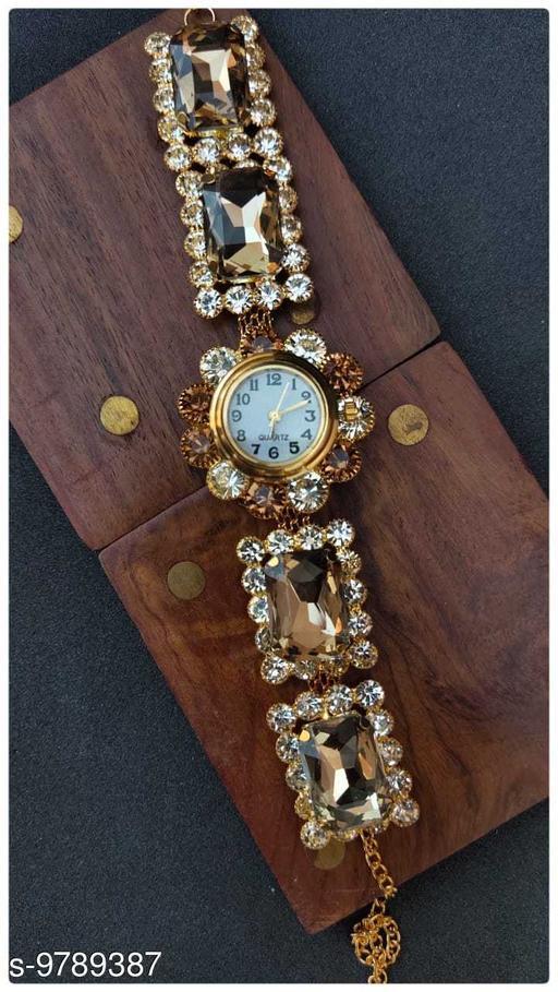 Stylish Charming Women Bracelet Watch